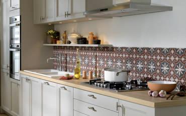 Poser une crédence dans la cuisine