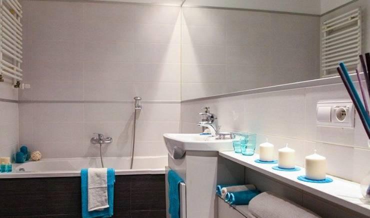 Aménager une salle de bain dans un petit espace : 6 astuces à connaitre