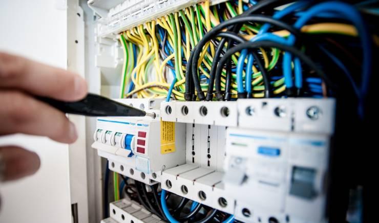 Comment installer un tableau électrique secondaire ?